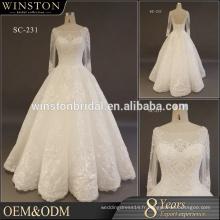 Robe de mariée en satin avec robe de mariée à manches longues