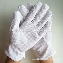 Gants lisle blanc blanchis avec pots de pvc