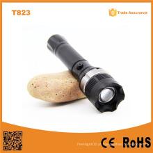 CREE XP-E R2 Polícia Zoom LED Polícia Lanterna (POPPAS-T823)