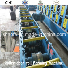 Máquina formadora de rollos para persiana enrollable