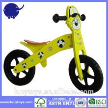 Umweltfreundliche hölzerne Kinder balancieren Fahrrad