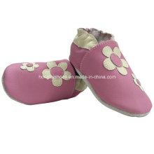 Zapatos de bebé de cuero de las flores rosadas