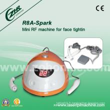 Mini usage domestique Traitement facial Machine de beauté R8a-Spark