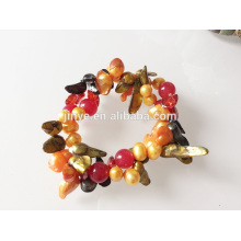 Pulseira de pérolas elásticas com pedras preciosas