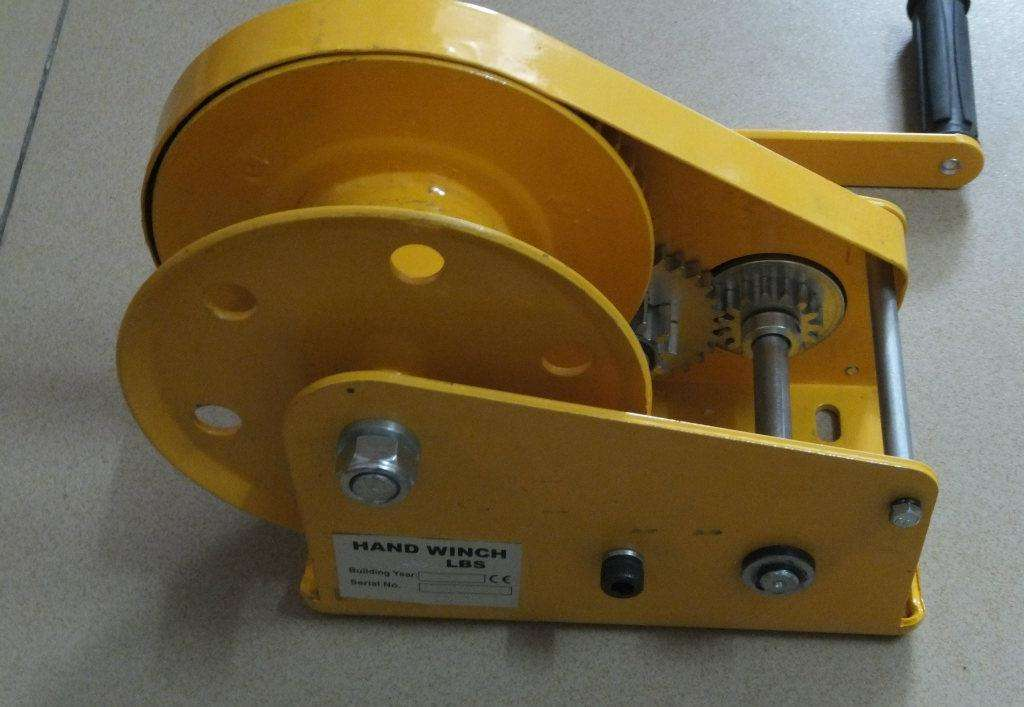 manual winch with brake