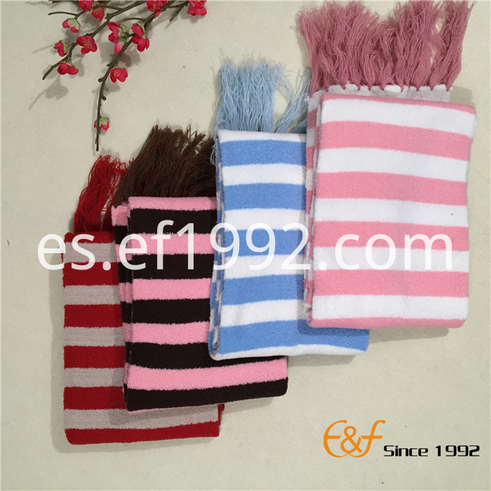 girl long knitted scarf
