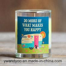 Bougie naturelle parfumée de soja dans un bocal en verre transparent