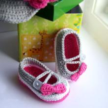 Crochet baby girl shoes Grey Ballerina Baby Shoes