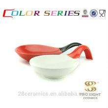 Artículos a granel al por mayor de cerámica, artículos del hogar baratos, cuenco del esmalte de la forma de la cuchara