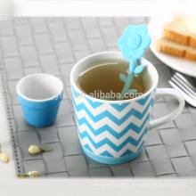 Meilleure vente en gros infuseur de thé dans une tasse en céramique