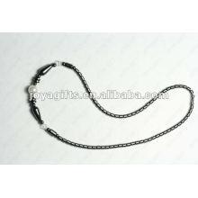 Collier en perles de verre blanc avec hématite magnétique
