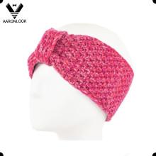 Bague de main tricotée à l'hiver