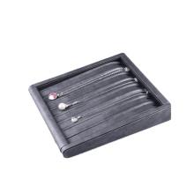 Маленький плоский черный кожаный лоток для ожерелья из искусственной кожи (TY-NBL-PN)