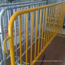 Porta galvanizada da baixa temperatura da cerca da exploração agrícola do aço do baixo preço para o gado