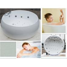 Baño independiente con bañera de aire y baño de control de masaje