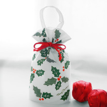 White Non-woven Leaf Pattern Christmas Handle Gift Bags