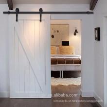 Porta deslizante de celeiro interior de madeira