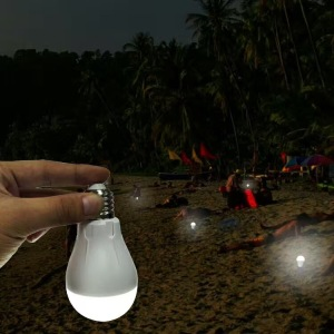 Power Outage LED Bulb with Rechargeable Battery