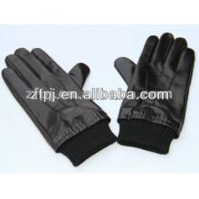 Hombres negro guantes de piel de oveja de invierno apretado con punto