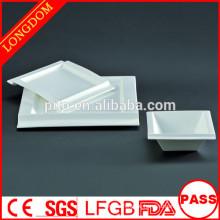 2015 neues Design weißes Porzellan quadratische Platte Schüssel mit attraktivem Design