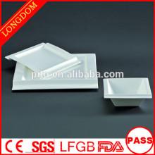2015 novo design porcelana branca praça placa tigela com design atraente
