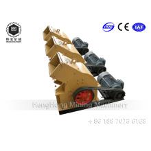Mineração de ouro usando pequeno moinho de martelo