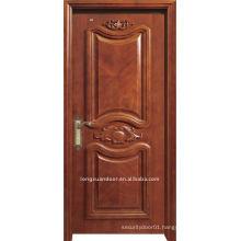 Luxurious carved door