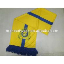 Печать футбольного шарфа с логотипом знаменитого футбольного клуба с каждой стороны
