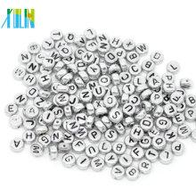 Moda placa de prata com contas de alfabeto letra preta 4 * 7mm contas redondas ovais