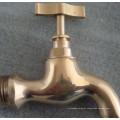 Cobre masculino da união do homem que lustra a torneira de água de bronze de Bibcock