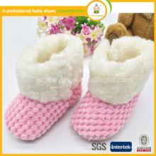 2015 горячее вязание крючком вязания розового симпатичного мягкого подошвы теплого младенца дешевые сапоги снежка