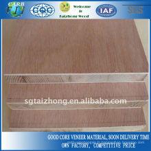 Pine Core 18mm Okoume Panneaux lattés - panneaux blocs