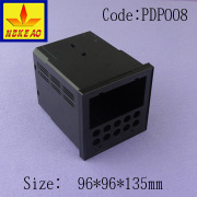 Auto digital voltmeter