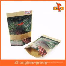 QS-Zertifikat stehen auf der Kraftpapier-Tasche für das Datum Palmenpackung mit klarem Fenster