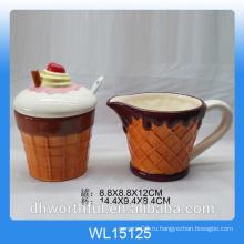 Мороженое с керамическим сахаром и молочным кувшином