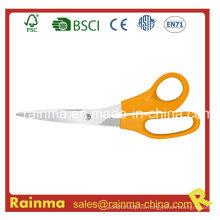 Manijas de plástico naranja con una cuchilla