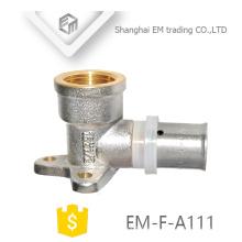 EM-F-A111 Festes T-Stück Messing vernickelt Gerader Steckanschluss