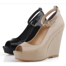 Sandalia Peep-Toe de la correa de tobillo de las mujeres de la plataforma de la cuña de la manera (Hcy02-628)