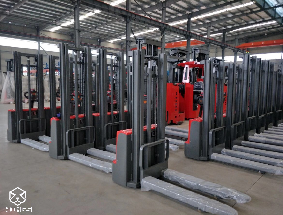 WINGS ELECTRIC STACKER WITHOUT PADAL