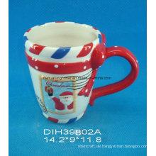 Weihnachtsdekorative keramische Kaffeetasse