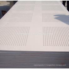 Planche de plafond perforée en gypse standard à prix du papier acoustique