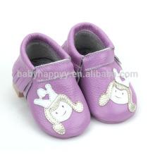Heiße verkaufende violette Säuglingsmokassins beschuht nette Segeltuchbabyschuhe