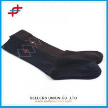 Пользовательский логотип хлопок теленок сжатия argyle колено высокий причинный чулок