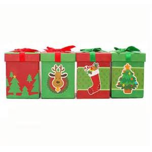 Paper chrismas clothing box