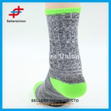 2015 neue Art fluoreszierende Farben Warm erwachsene Dame beiläufige strickende Socke