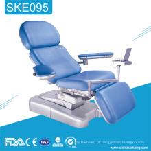 Cadeira confortável do tratamento da doação de sangue do hospital SKE095