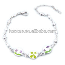 Four leaf clover flower bracelets