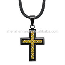 Alto polonês aço inoxidável cruz pingente com ouro amarelo fibra de carbono no couro genuíno colar jóias fabricante