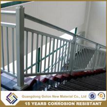 Прямая лестница из кованого железа