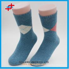 Ангора шерстяной новый стиль с вязанием случайных теплых трубок носки